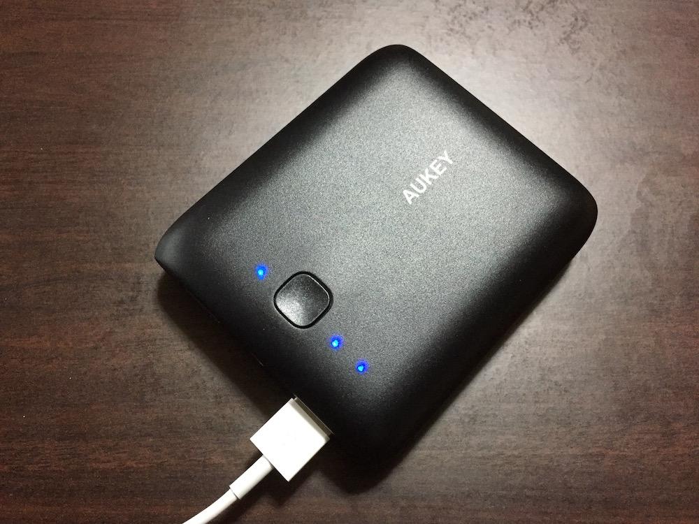 AUKEY モバイルバッテリー